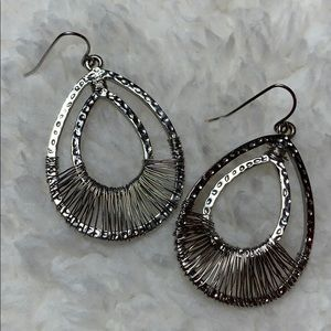 Jewelry - Pretty doesn't begin to describe these earrings!